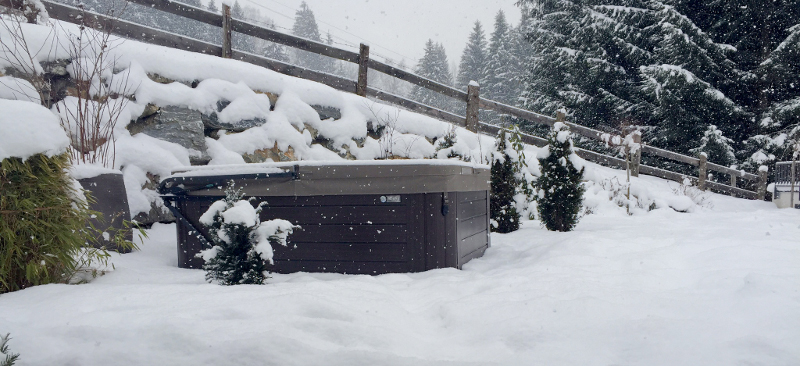 winter hot tub tips